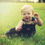 赤ちゃんが生まれてからの1年間を毎日1秒撮った動画が感動的【1秒動画】