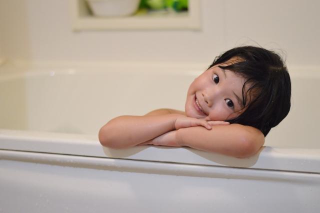 パパも一緒に!お風呂で遊べる人気おもちゃ、おすすめ5選!