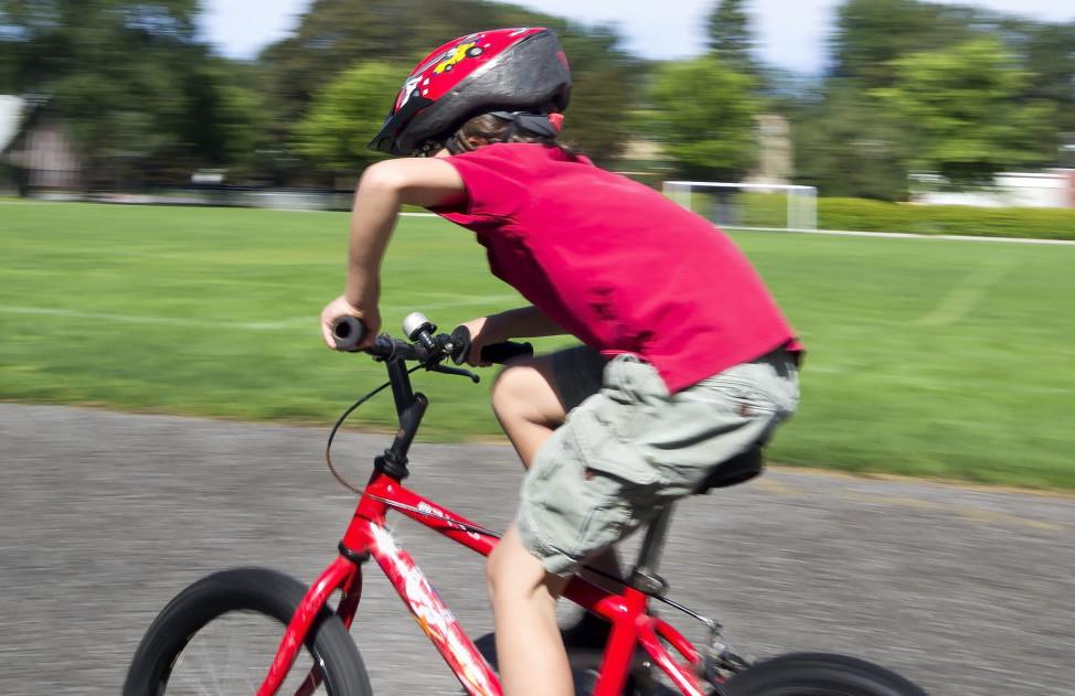 【かっこいい編】ランニングバイクや自転車用に。おすすめ子供用ヘルメット!