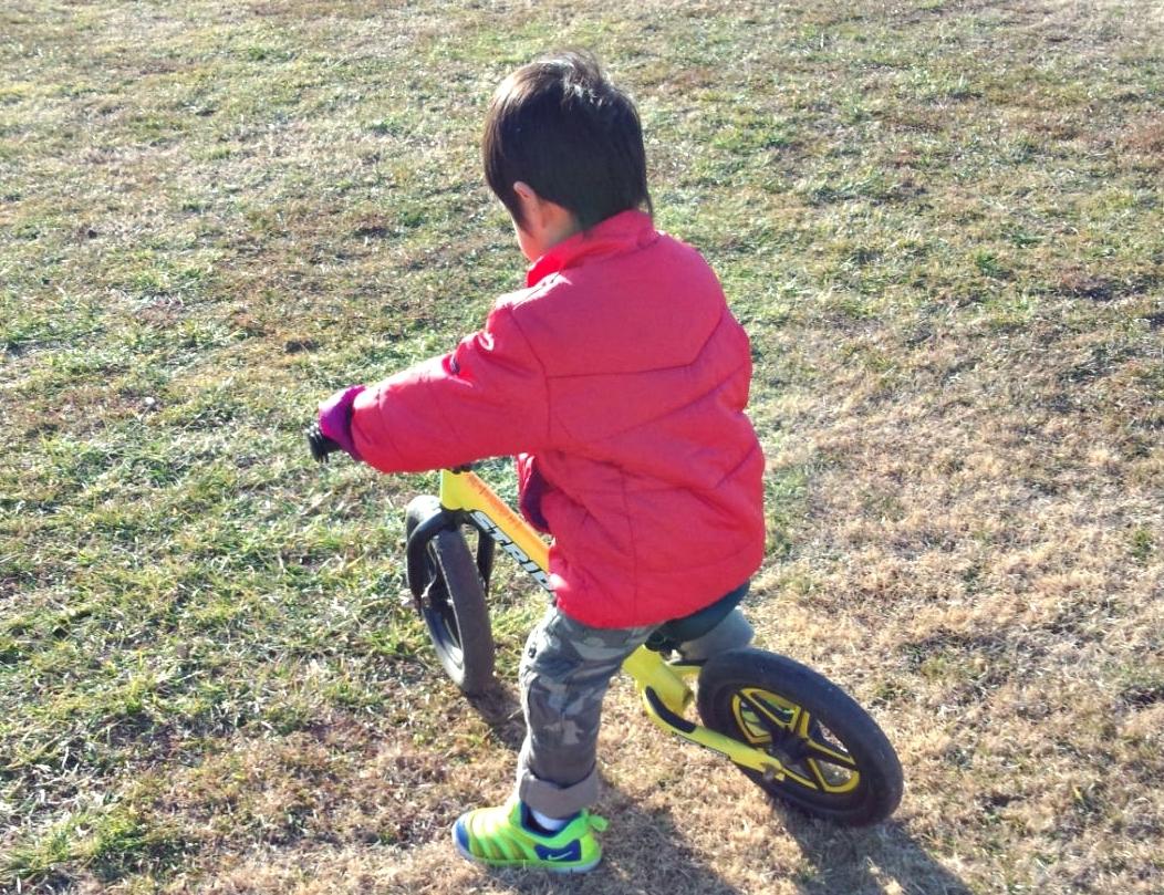 人気のペダルなし自転車、ストライダー・ディーバイク・スパーキーを徹底比較!
