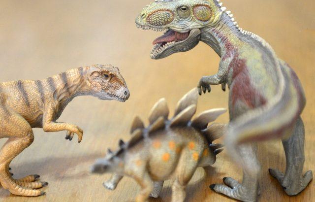 恐竜大好きっ子に捧ぐ!恐竜が登場するおすすめ絵本5選!